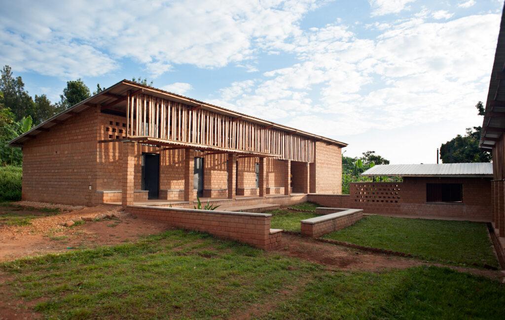 studio FH architects constructs a school hall in uganda