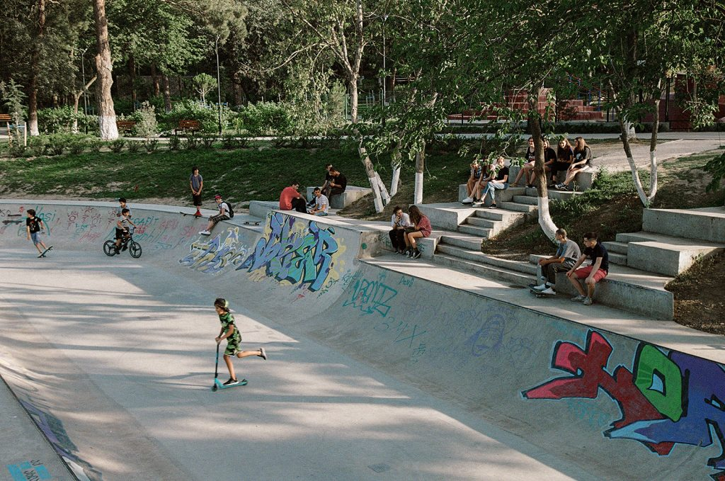 Rolling on the river: Mziuri skate park and parkour ground by David Giorgadze Architects and Maxime Machaidze - Architectural Review
