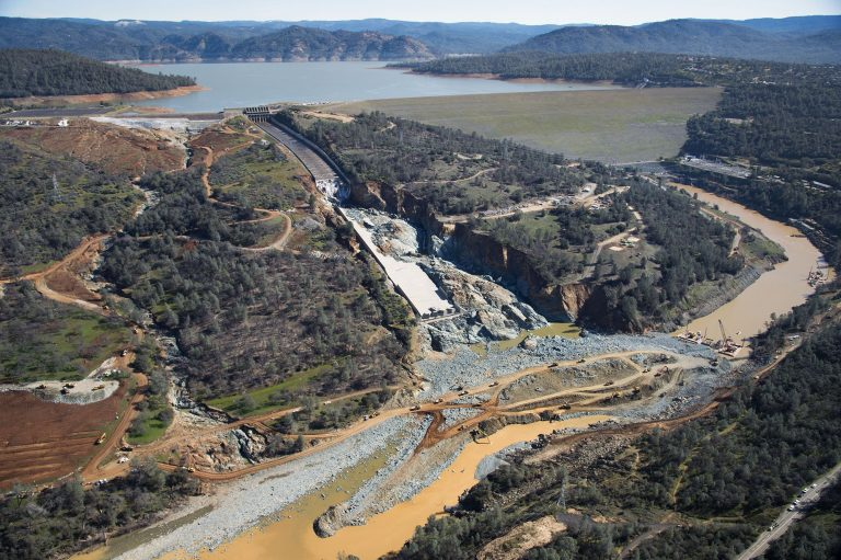 Report reveals Oroville Dam spillway collapse causes - Ground