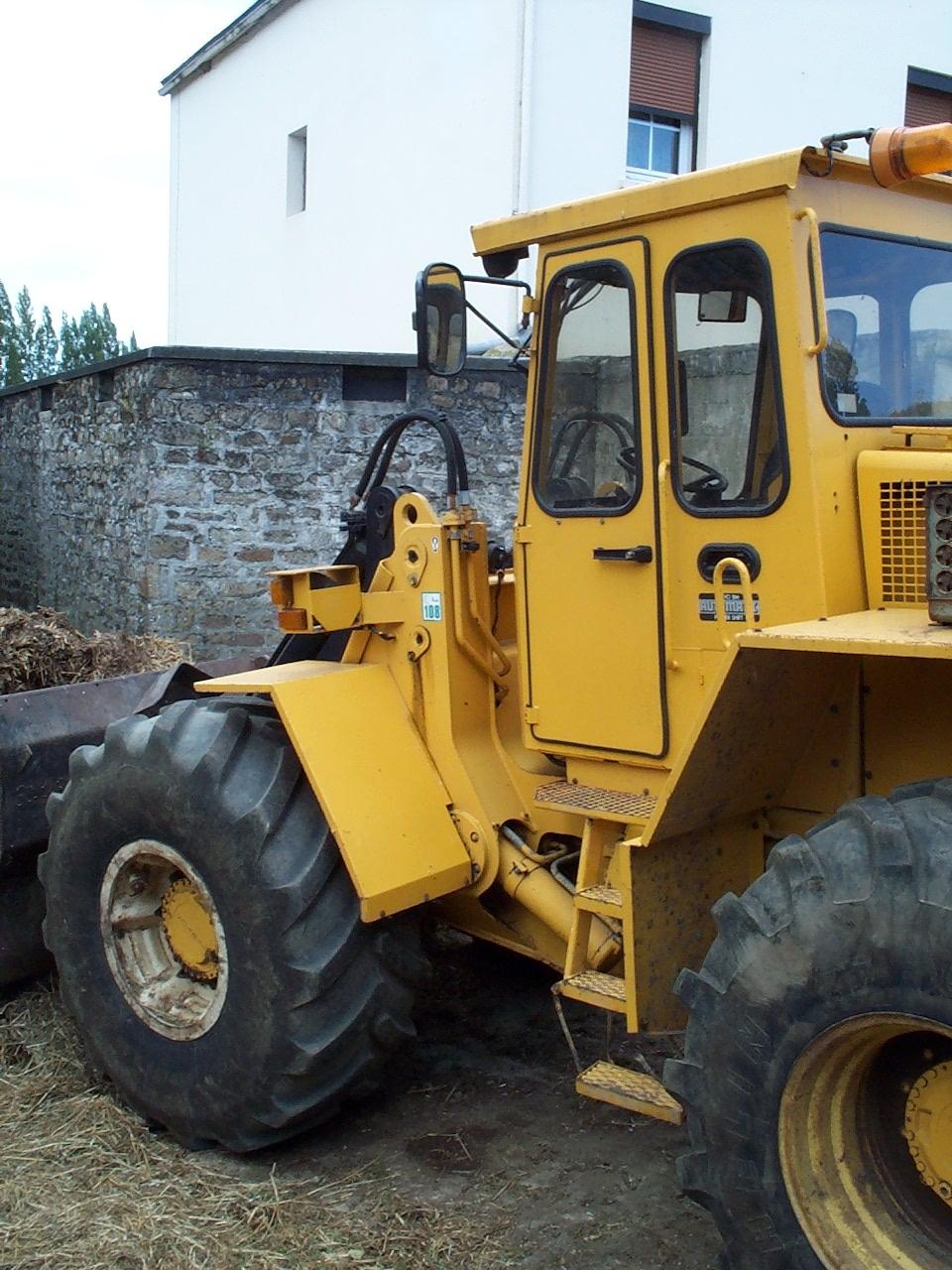 AWH Utilities buys Volvo excavators - Construction News