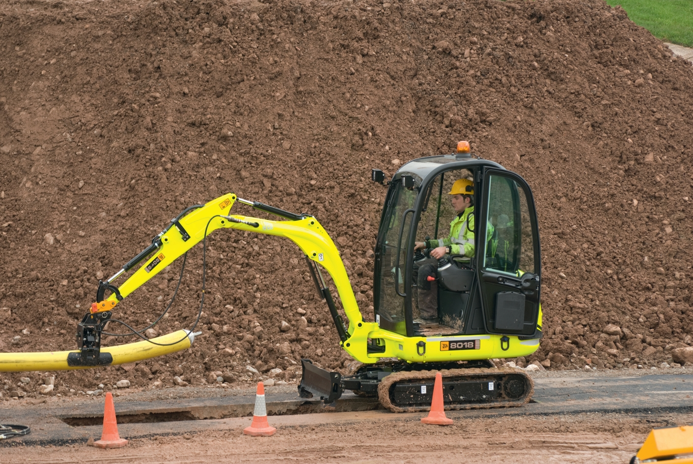 JCB unveils utility specification for 8018 excavator - Construction News