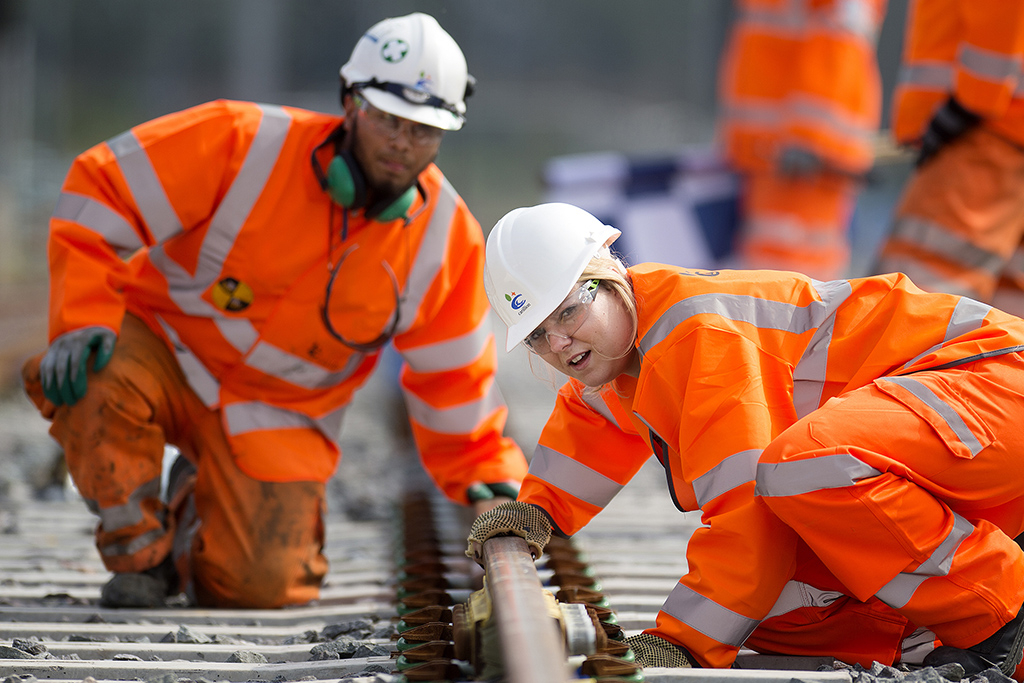 Amey paid £2 1m for Carillion rail contracts - Construction News