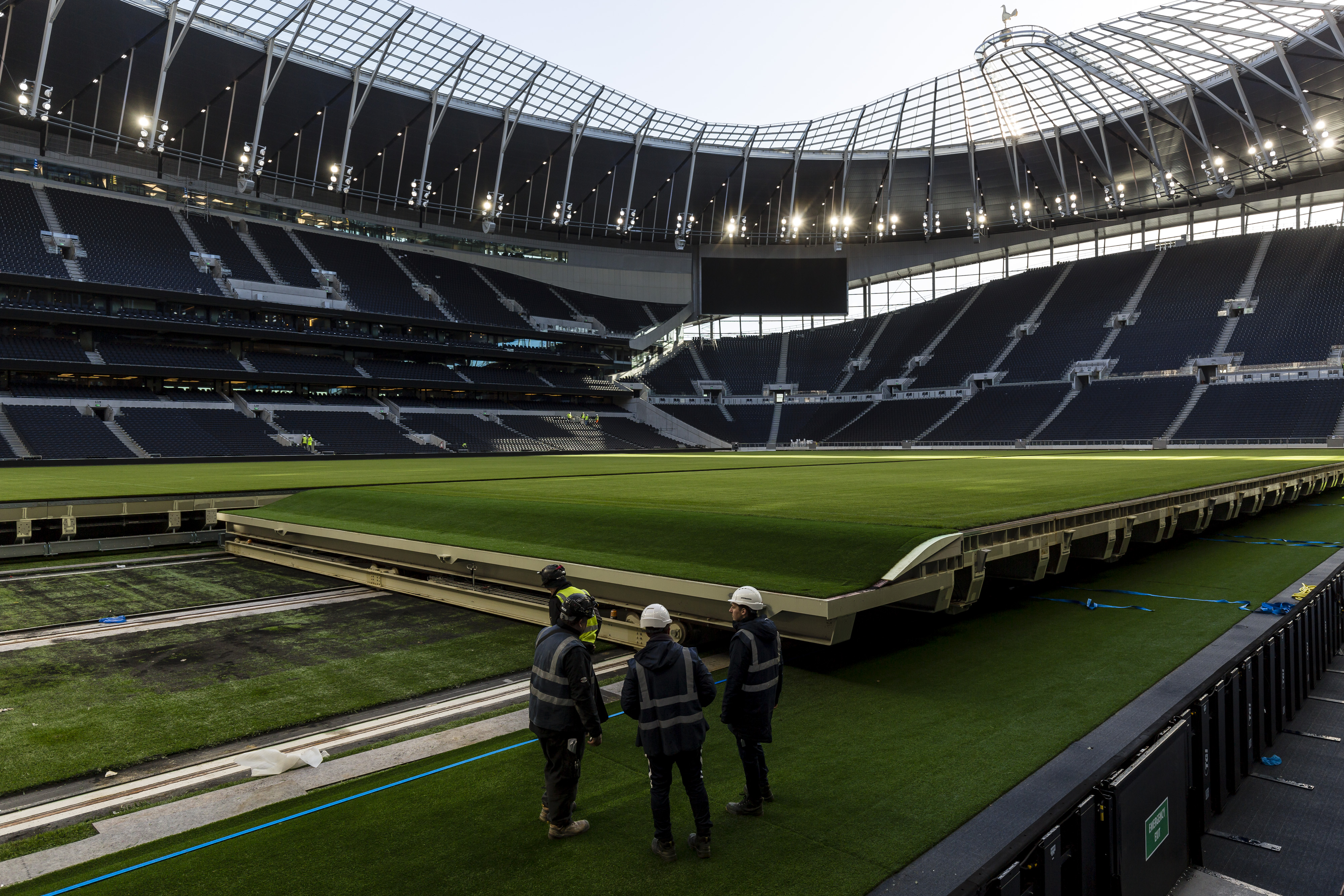 Behind The Scenes Look At Tottenham S Retractable Pitch