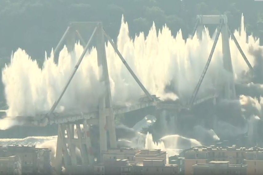 Last section of Polcevera Viaduct blown up - New Civil Engineer
